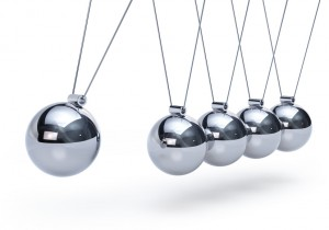Newtons cradle with five balls - perspective view